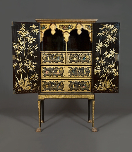 An Exceptional Black Lacquer, Polychrome and Two Color Gilt Cabinet on Original Stand. Chinese for the European Market, Early 19th Century. Of black lacquer with polychrome and gilded detailing.