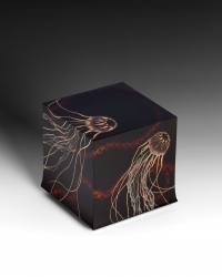 Maki-e Gold Lacquer Box with Design of Jellyfish